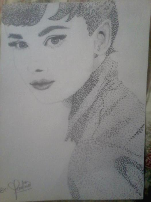 Audrey Hepburn by PauTurner